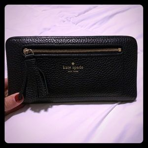 Kate Spade wallet in great condition!